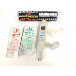 pH55 Pocket-size pH / Temperature Meter with replaceable electrode