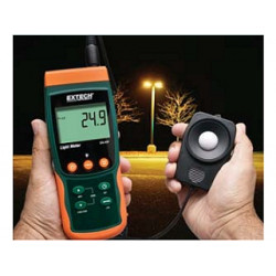 Extech Light Meter / Datalogger records to SD Card SDL400
